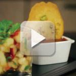 Petits pots de crème au chocolat amer, Tuile au sirop d'agave et salade de pêche à la menthe – Sunny Via